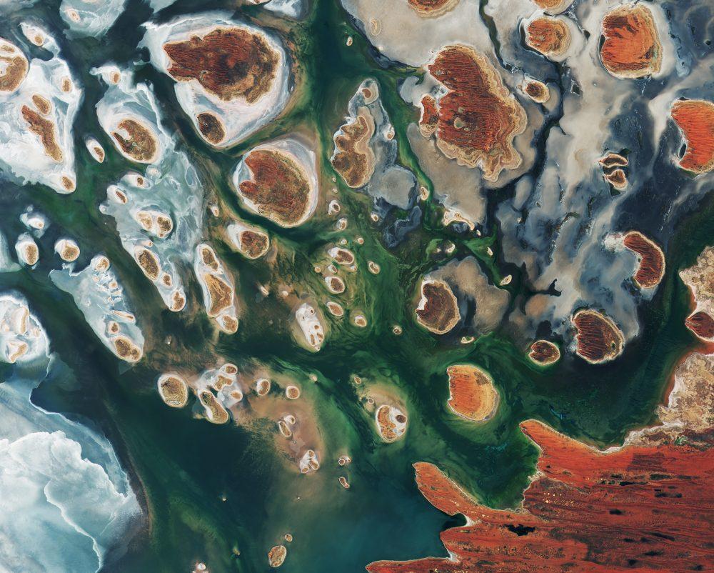 Lake_MacKay_Australia-e1514839150186
